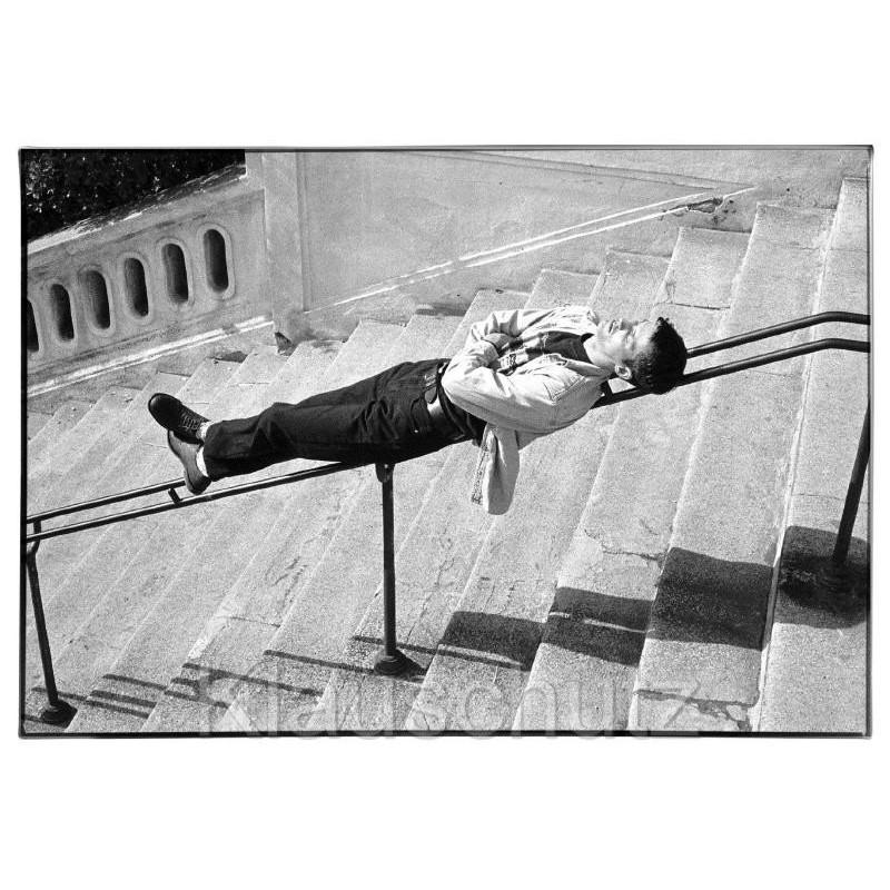 s/w Fotokarte - Siesta Mittagsschlaf Postkarte mit schlafendem Mann