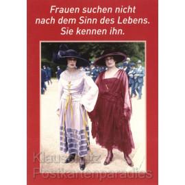 Frauen und der Sinn des Lebens | Postkarte von Discordia