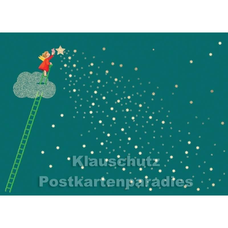 Weihnachtskarte Engel putzt (goldfarbene) Sterne