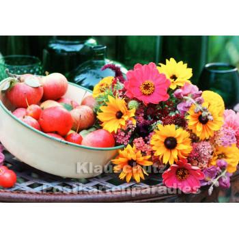Foto Postkarte - Herststimmung mit Äpfeln und Blumen