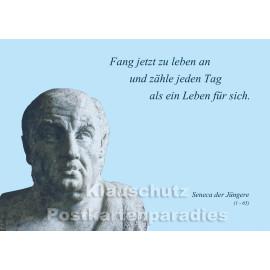 Fang jetzt an zu leben | Seneca Zitat Postkarte vom Postkartenparadies