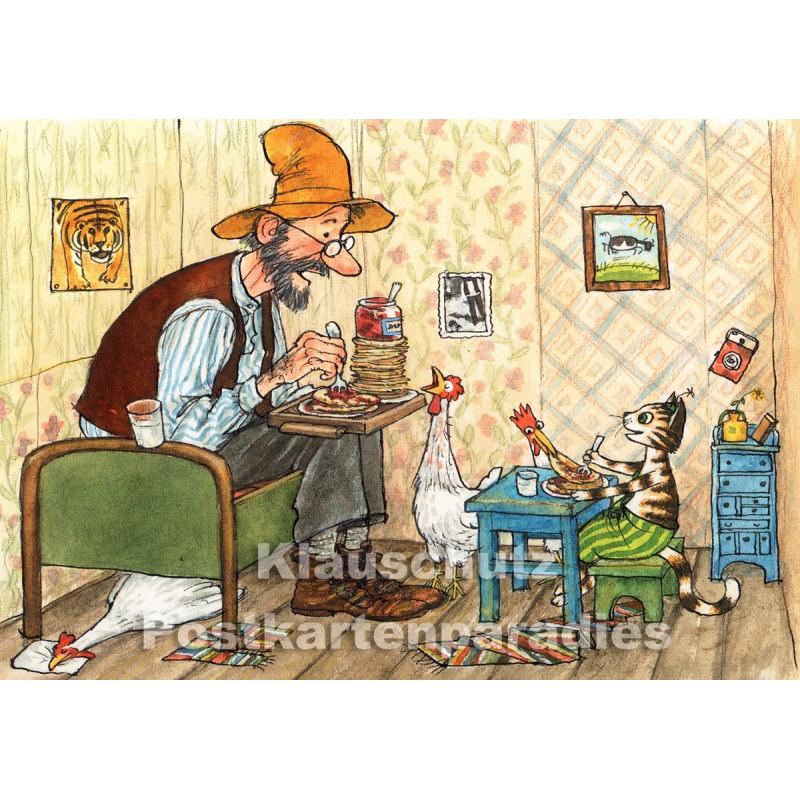 Pettersson und Findus essen Pfannkuchentorte - Postkarte von Discordia