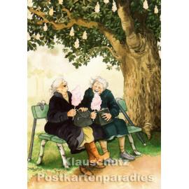 Taurus Postkarte von Inge Löök - Alte Frauen essen Zuckerwatte auf der Parkbank