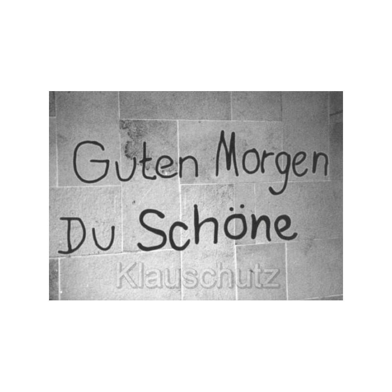 Graffiti Postkarte von Discordia - Guten Morgen Du Schöne