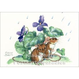 Mäuse im Regen   Taurus Kinder Postkarte von Molly Brett