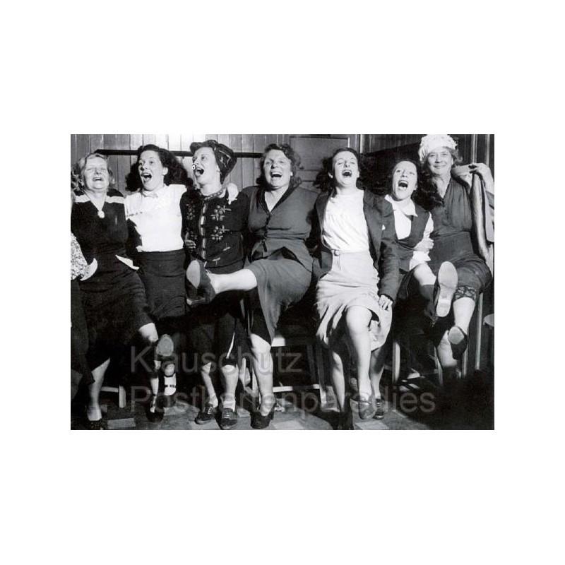 s/w Fotokarten   Tanzende Frauen
