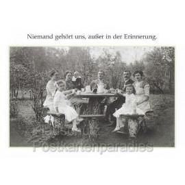 Sprüchekarte Postkarte von Discordia: Niemand gehört uns, außer in der Erinnerung.